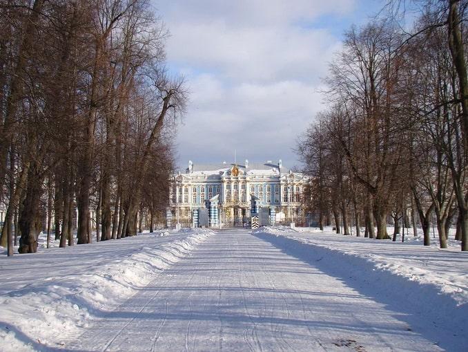 Большой Екатерининский дворец зимой