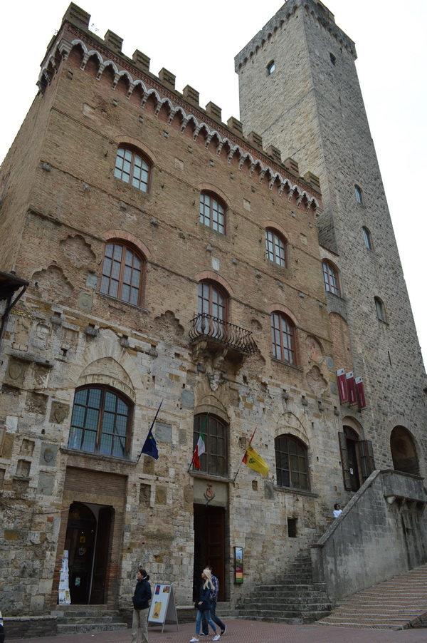Сан-Джиминьяно, Палаццо Пополо