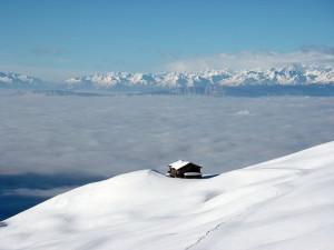 Зима,горы, домик