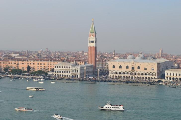 Венеция в солнечном тумане