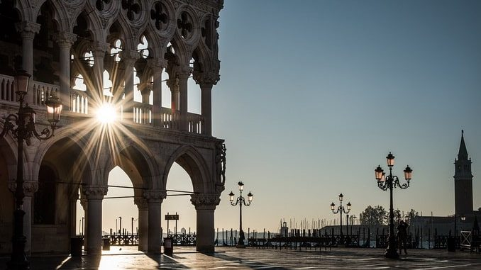 Венеция, Дворец дожей, солнце