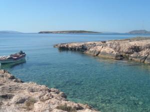 Парос: море и лодка