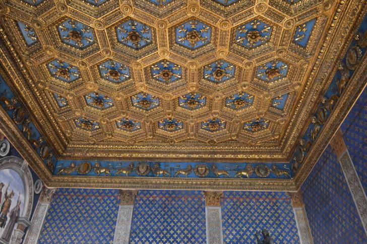 Потолок Зала лилий в Палаццо Веккьо