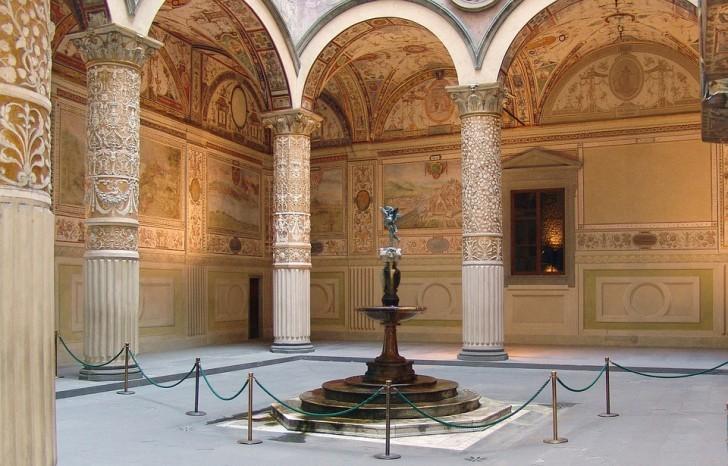Внутренний двор Палаццо Веккьо