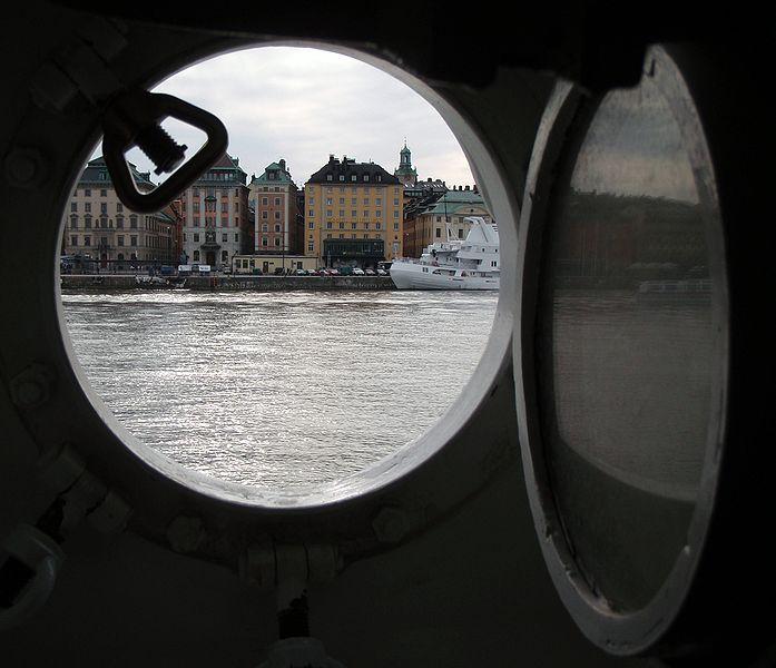 Стокгольм в иллюминаторе