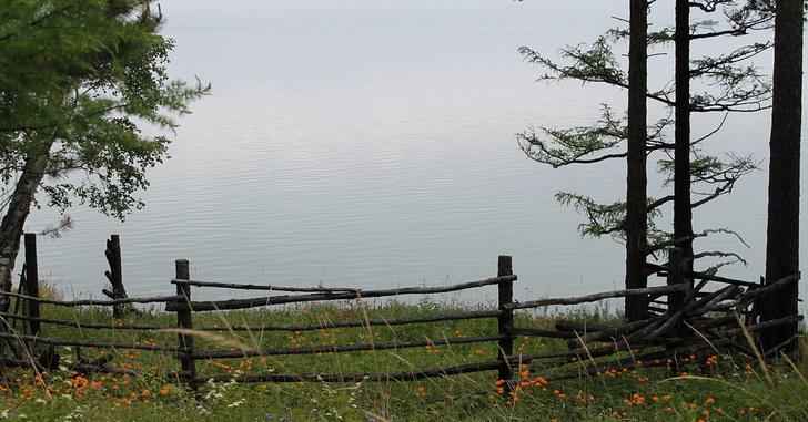 Озеро Байкал, лето