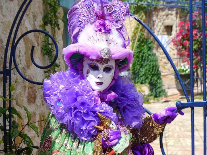 Карнавальная маска в Венеции