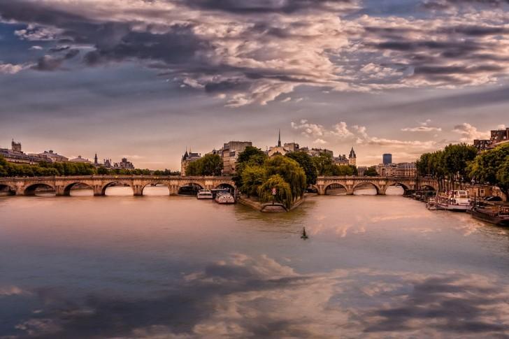 Париж, Сена, остров Ситэ