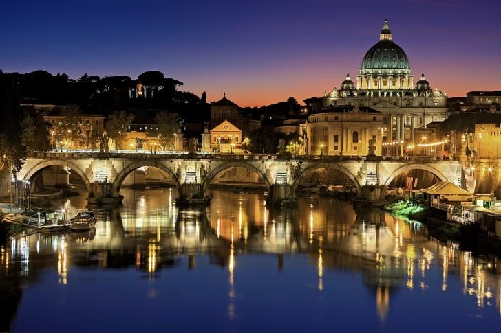 Ночной Рим и собор святого Петра