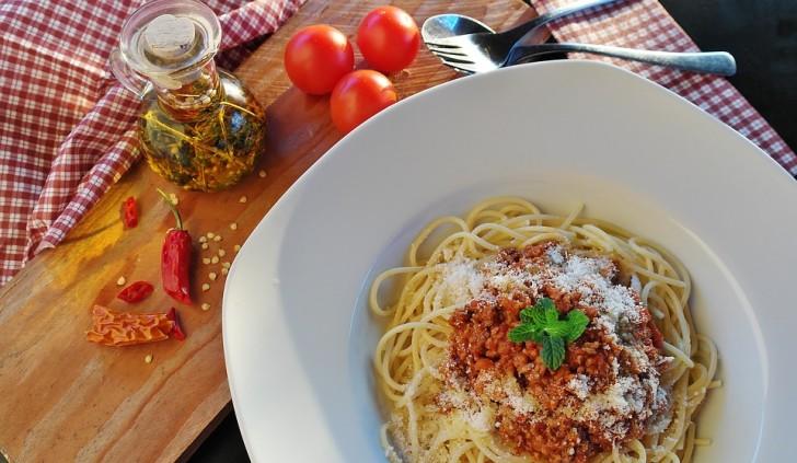 Спагетти болоньезе, Италия