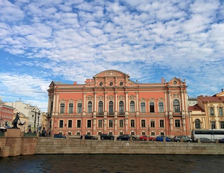 Дворец Белосельских-Белозерских, вид с Фонтанки