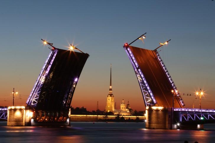 Дворцовый мост, СПб