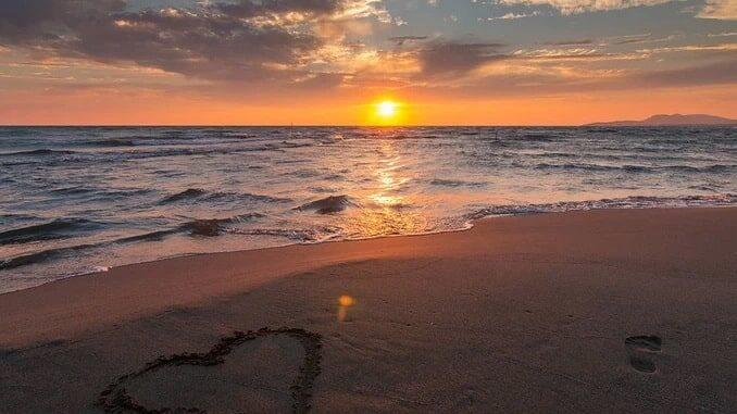 Курорт с песчаным пляжем в Черногории