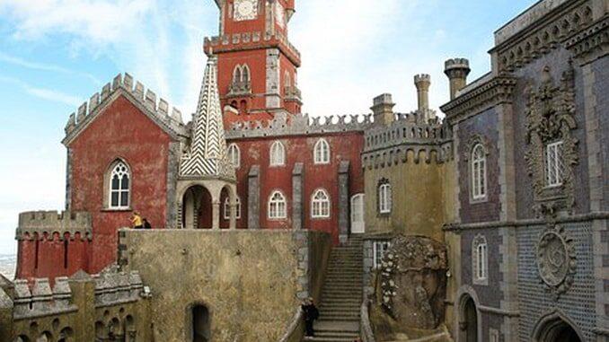Дворец Пена - главная достопримечательность Синтры