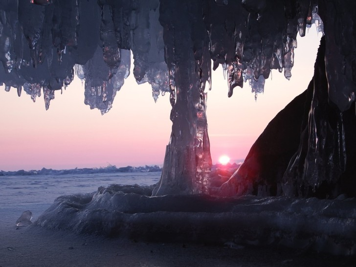 Байкал, лед