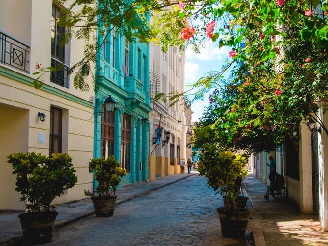 Улочка в Гаване