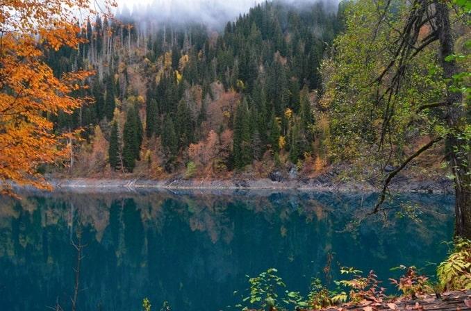 Осень в Абхазии - сюда можно приехать из России