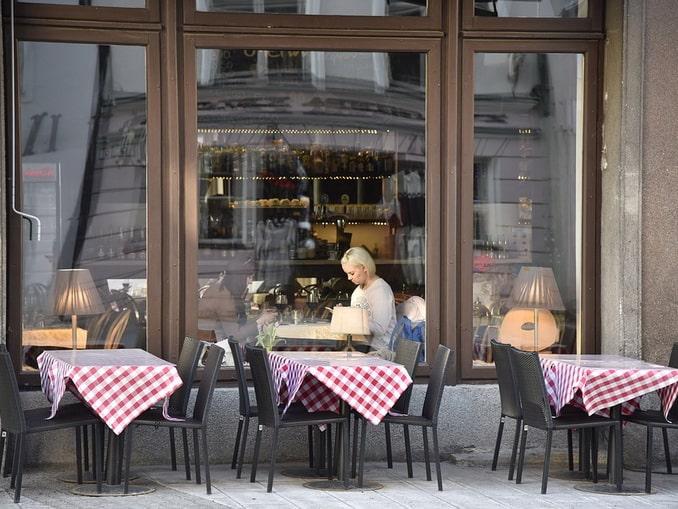 Кафе в Таллине пустуют - туристов в Эстонию не пускают
