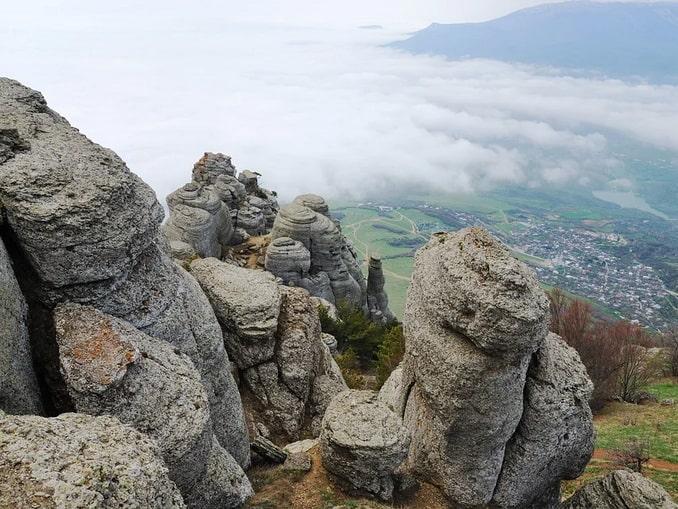 Скалы Демерджи под Алуштой