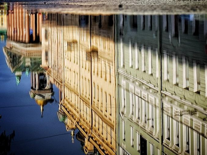 Отражение, июнь в Санкт-Петербурге
