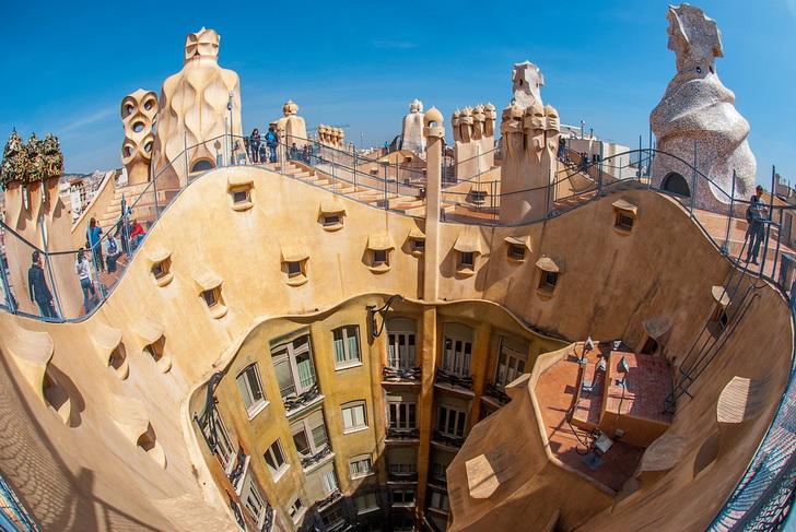 Барселона, Гауди