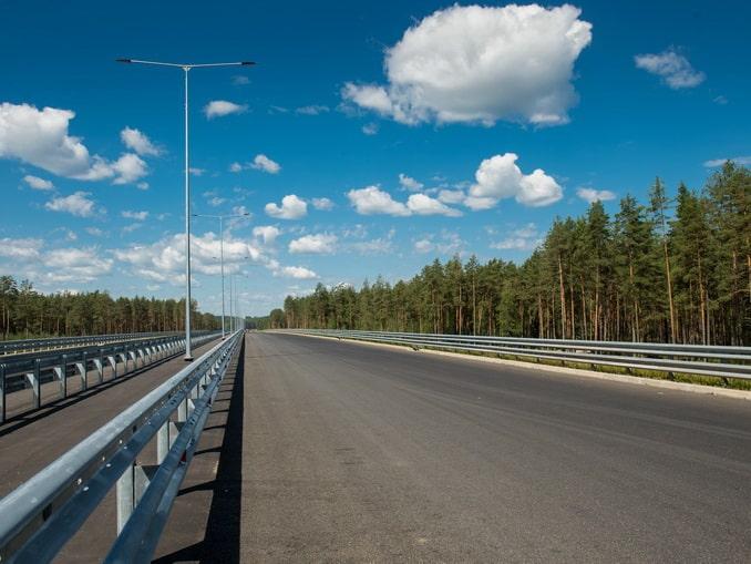 Трасса М11 из Москвы в СПб, фото Abrudenko