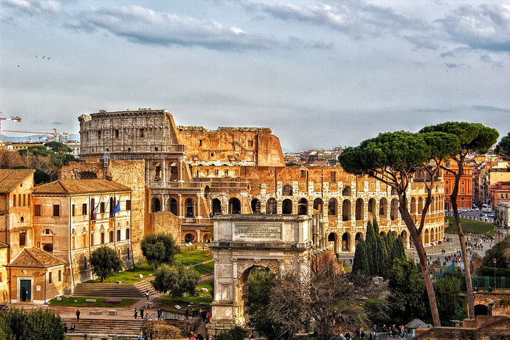 Колизей весной, Рим