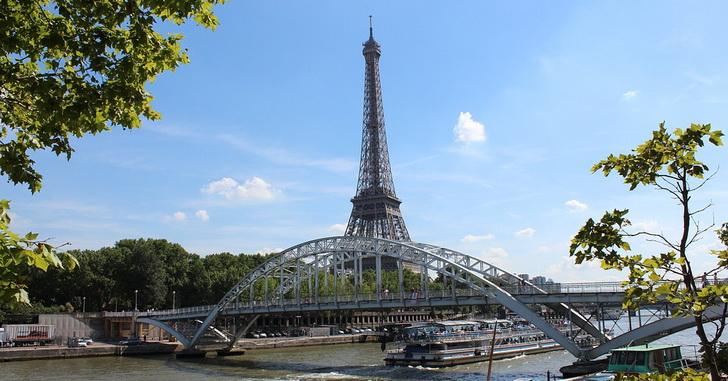 Париж в мае