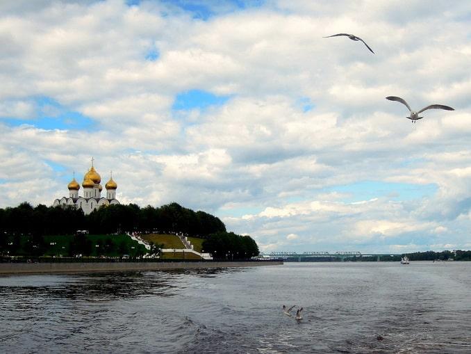 Успенский собор - первое, что нужно увидеть в Ярославле