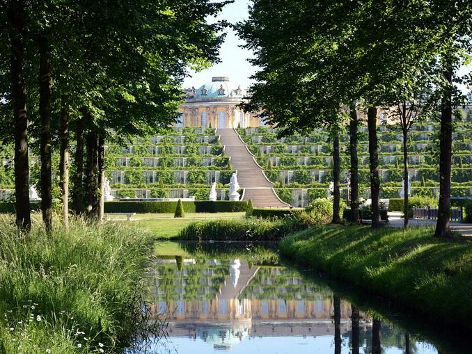 Парк и дворец Сан-Суси