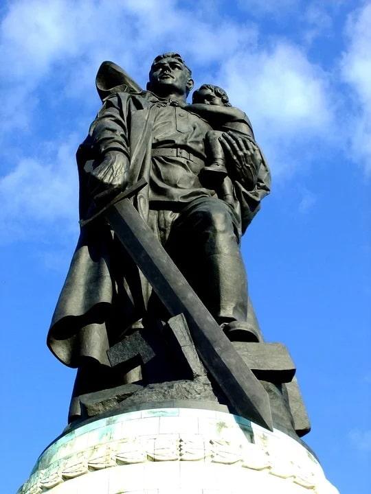 Мемориал в Трептов-парке, Берлин