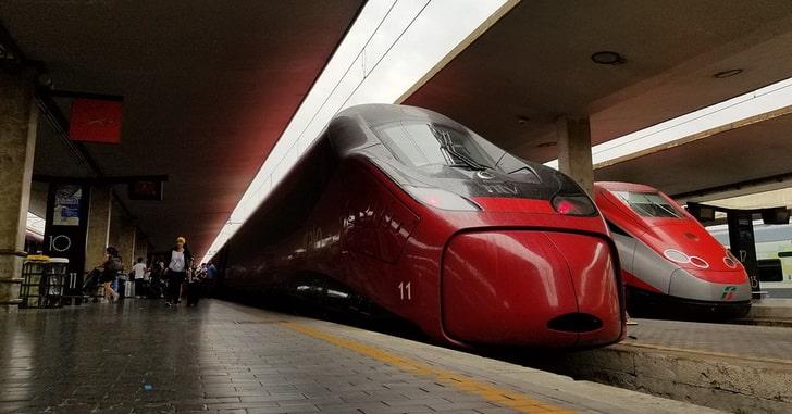 Поезд, Италия