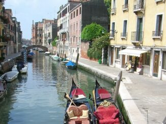 Венеция в мае, канал в Дорсодуро