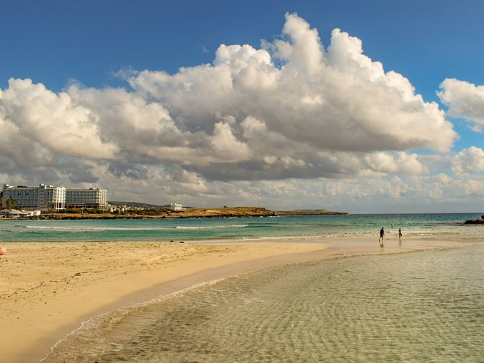 Пляж в Айя-Напе, Кипр