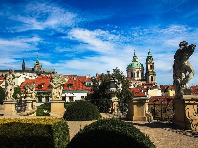 Прага, летом - пустят ли туристов?