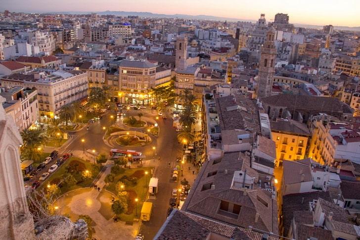 Площадь королевы, Валенсия