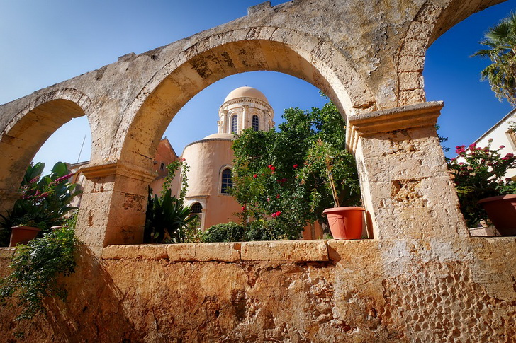 Монастырь на Крите