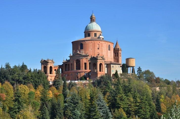Базилика Сан-Лука, Болонья