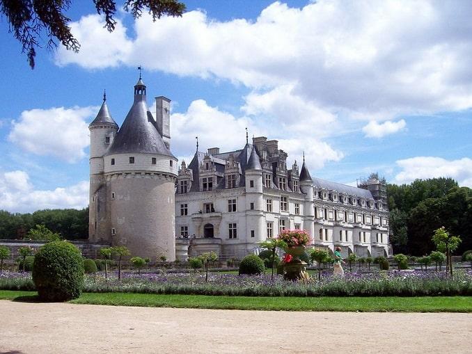 Замок во франции цены расписание баку дубай
