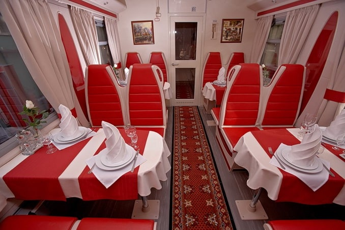 Поезд Москва-Ницца: вагон-ресторан, фото menton.su