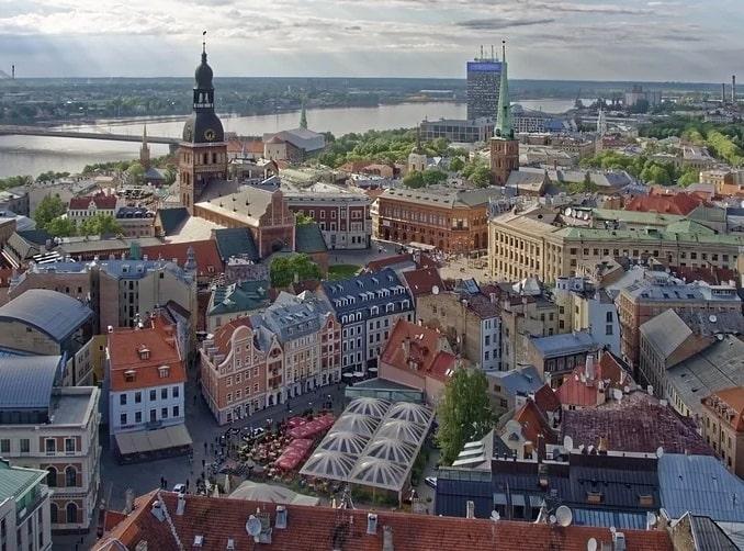 Рига, Латвия - поедешь на машине - увидишь больше!