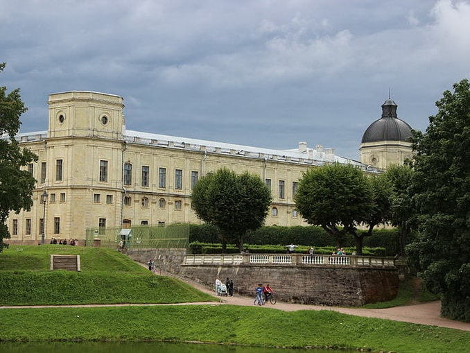 Арсенальное каре и парк Большого Гатчинского дворца