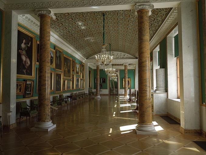Картинная галерея Строгановского дворца