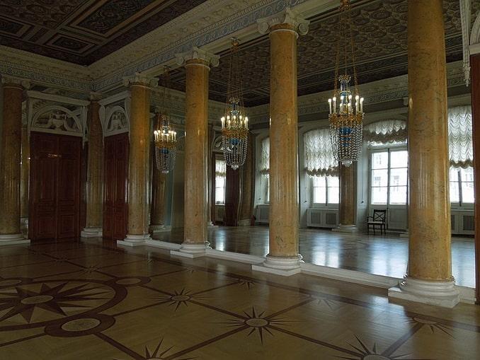 Парадная столовая Строгановского дворца
