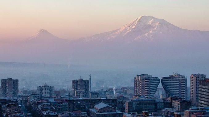 Ереван и Арарат зима