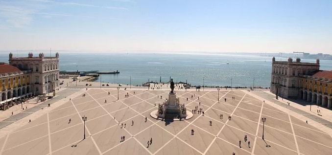 Торговая площадь в Лиссабоне