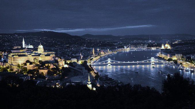 Ночной Будапешт нужно обязательно увидеть!