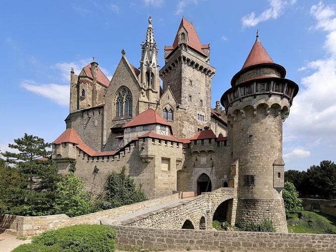 Замок Кройценштайн, Вена