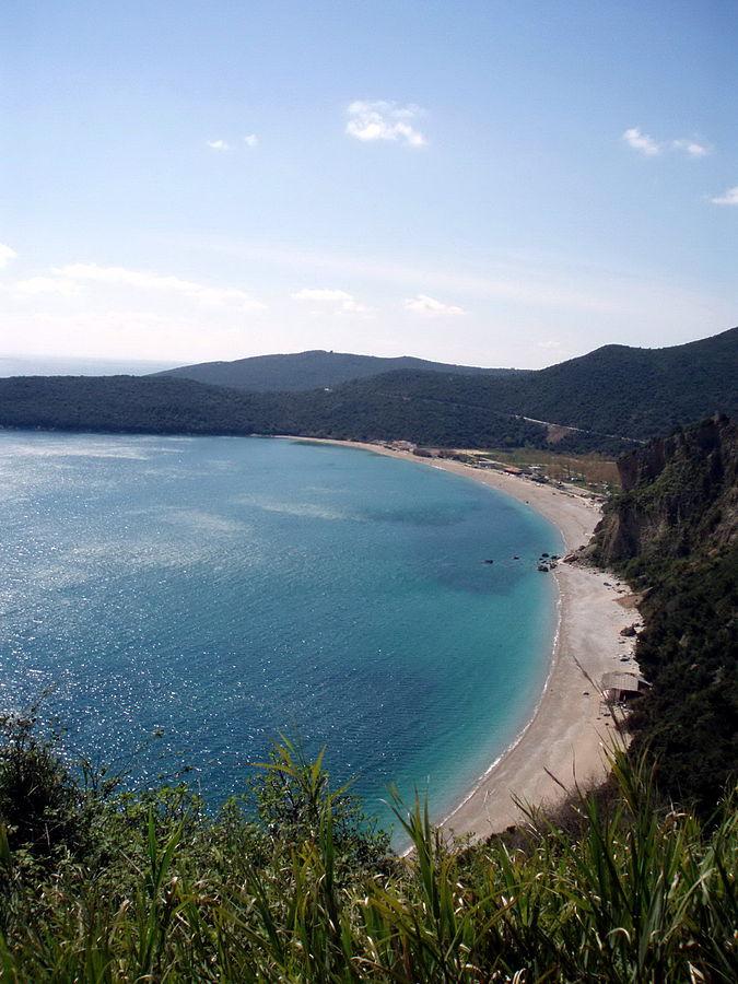 Пляж Яз, Черногория