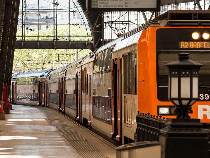 Пригородный поезд в Барселоне